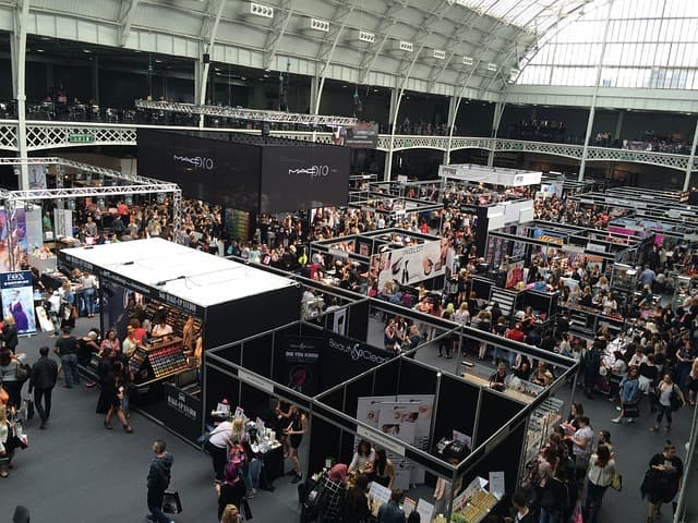 offline marketing: tradeshow